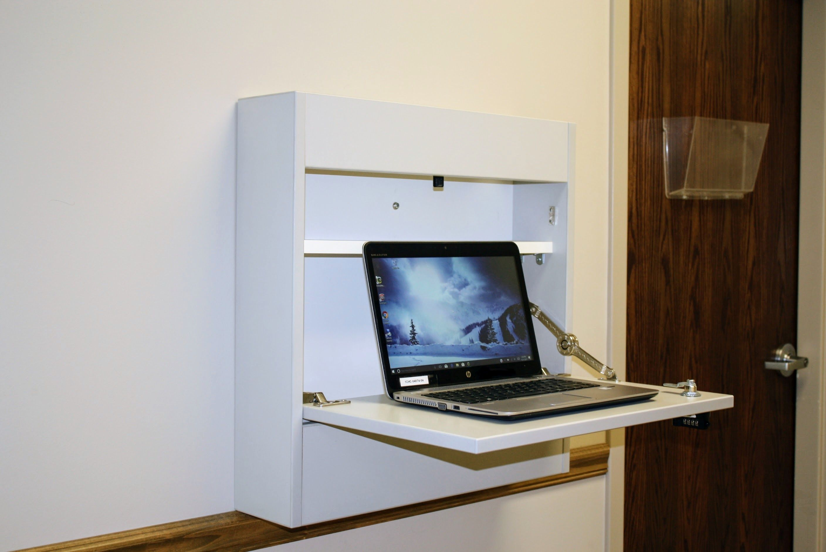 Open workstation with laptop